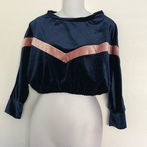 PrettyLittleThing Tops - Pretty little thing velvet crop chevron top size 6